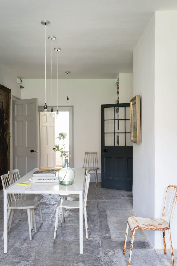 Dining room painted in Farrow & Ball Ammonite.
