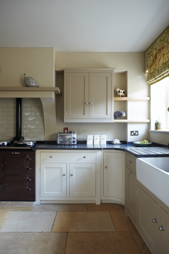 Kitchen painted in Farrow & Ball Savage Ground.